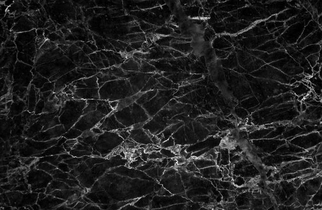 Czarna podłoga – sposób na intrygującą aranżację