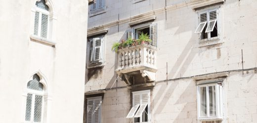 Jak zaaranżować strefę wypoczynkową na balkonie?